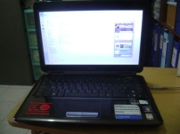 Notebook ASUS K40IN dari depan