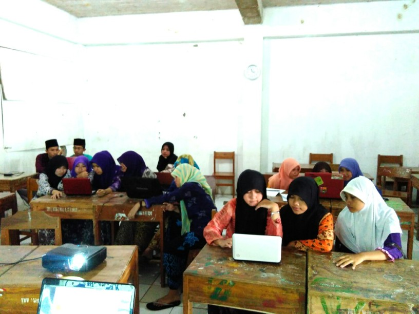 Pelatihan Internet di MA Nurul Athfal Pesantren (9)